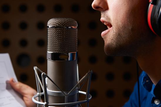 Narator za korporativni film snimanje naracija za tv dokumentarni video srbija promo spiker glas za najave programa i emisije